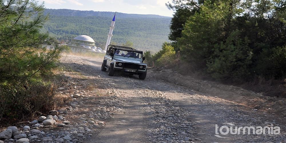 Jeep Safari in Side