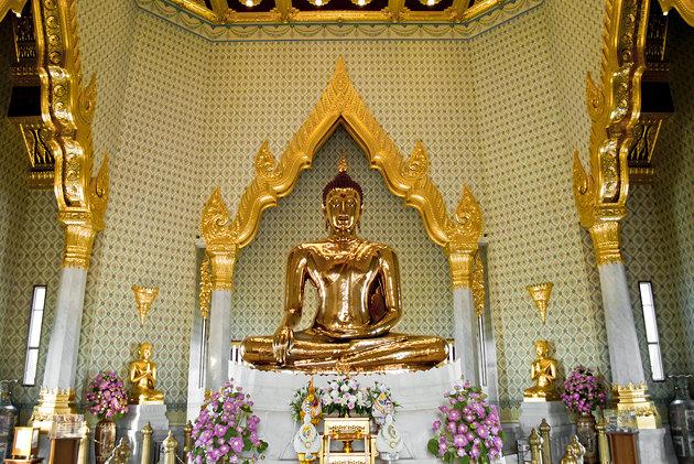 Bangkok City Tour (Wat Traimit + Wat Pho + Wat Arun)
