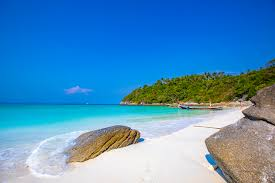 Phuket Raya Island - Full Day Join Tour