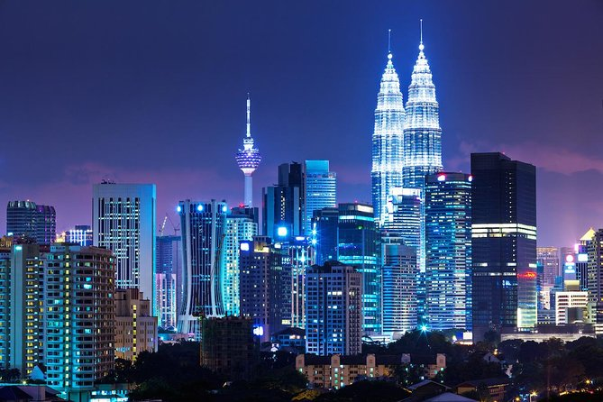 Kuala Lumpur Night Tour With Dinner & Cultural Dance Show