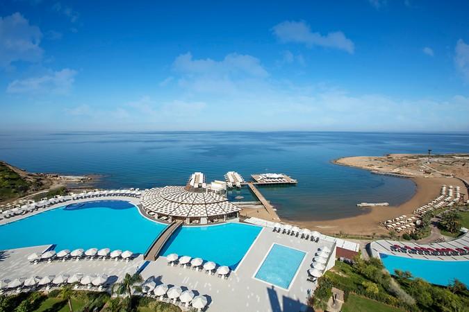 Elexus Hotel Resort & Casino