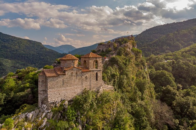 Day-Trip to Bachkovo Monastery and Asen's Fortress from Plovdiv