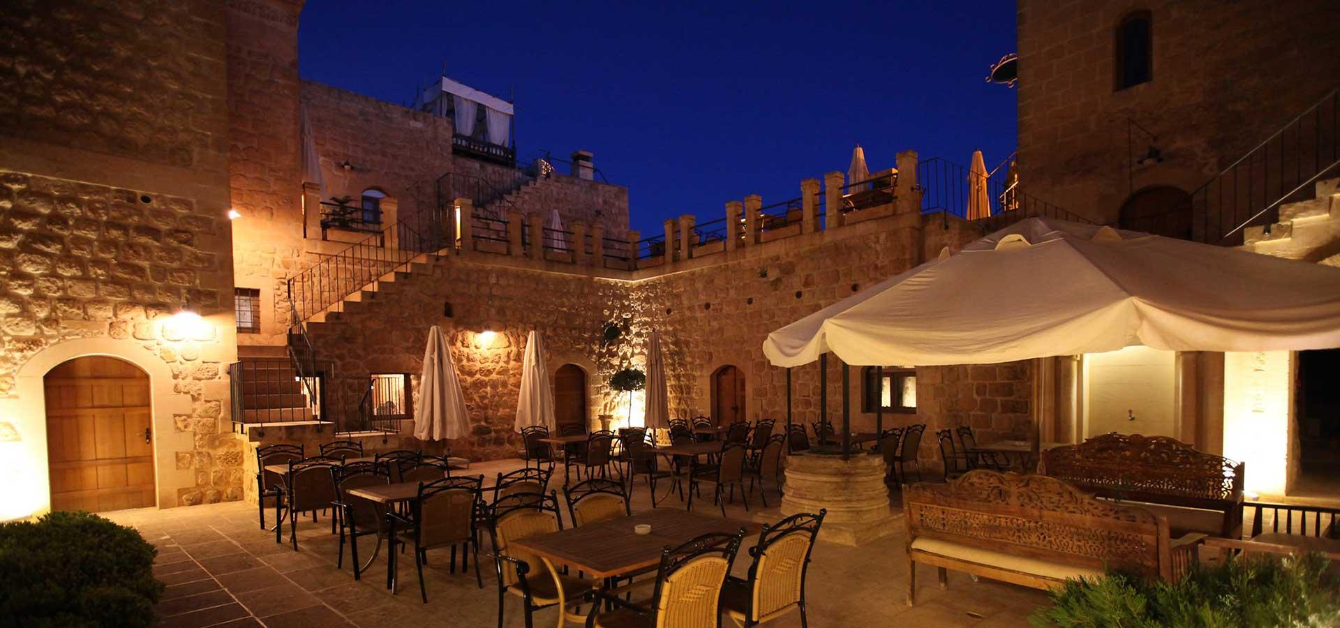 Kasr-ı Nehroz Otel